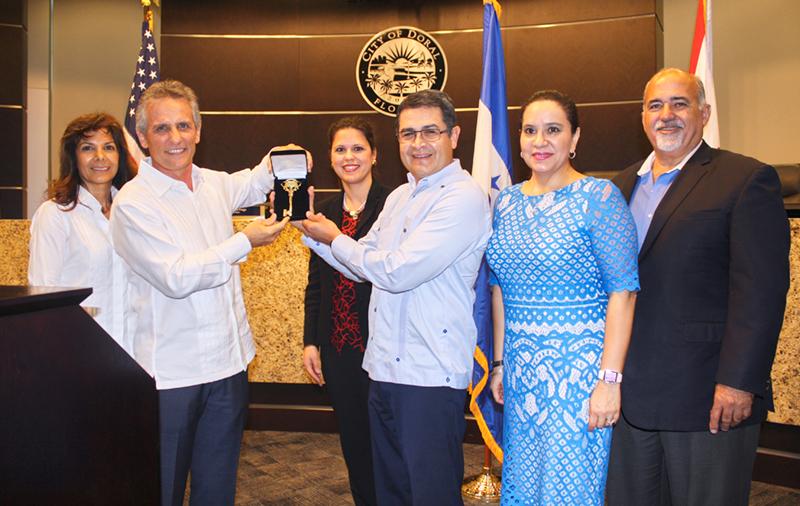 Mayor and President of Honduras - Key to the City